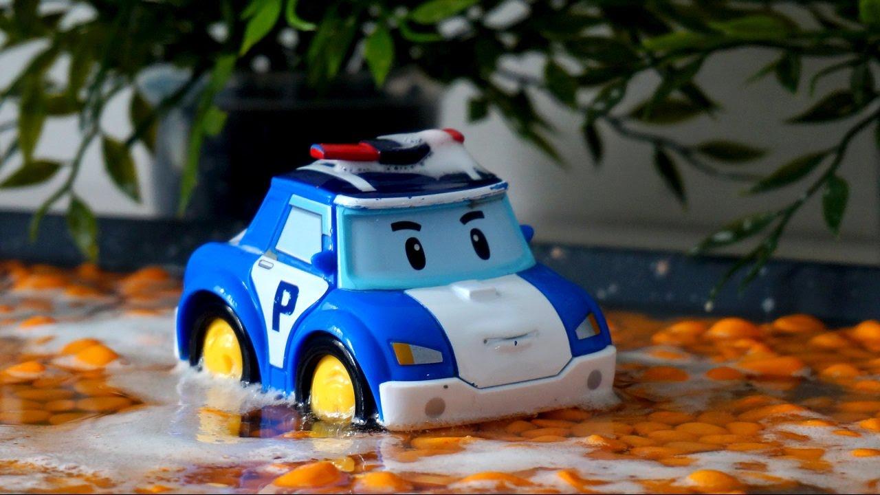 Видео с игрушками Робокар Поли. Отмываем грязь на ...
