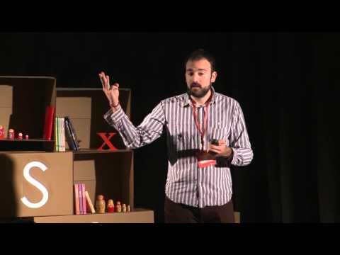 Educación desnutrida | Aitor Sánchez | TEDxOviedoUniversity