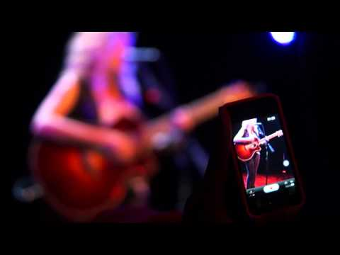 Tori Kelly - PYT by Michael Jackson (Live at Lincoln Hall in Chicago)
