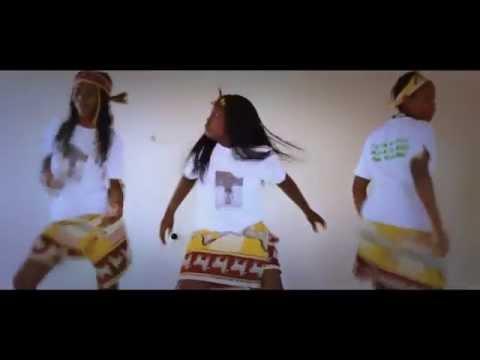 [CLIP AFRICA] Música Tradicional de Angola [Paca Davis-Kokoloko]++Mambueni