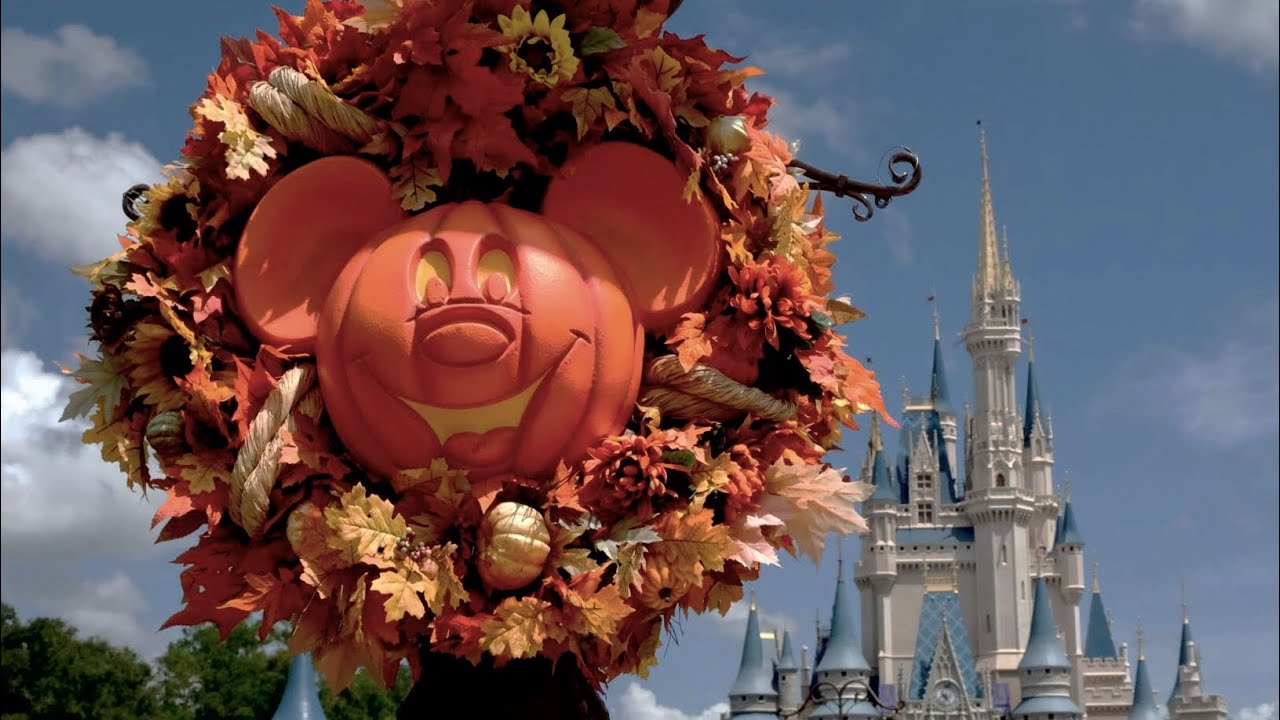halloween 2017 decorations merchandise arrive at magic kingdom walt disney world - Disney World Halloween Decorations