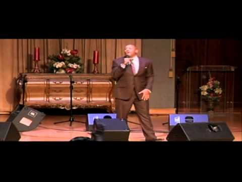 "Brian Courtney Wilson performs ""Awesome God"" at Walt Baby Love concert - Music World Gospel"