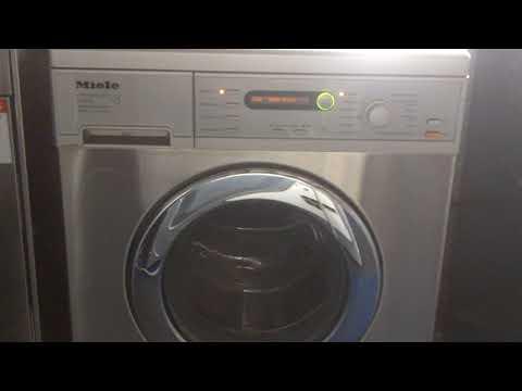 Miele W5748 Washing Machine running through test/ descale cycle