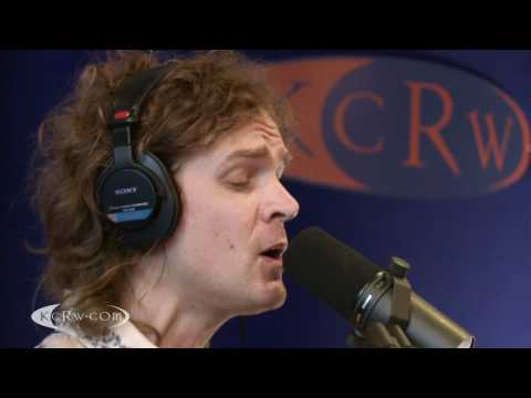 "Brendan Benson performing ""Bad For Me"" on KCRW"