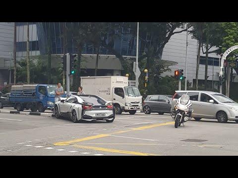 13oct2018 Bmw I8 Slx8977k Crash Onto Traffic Light Outside