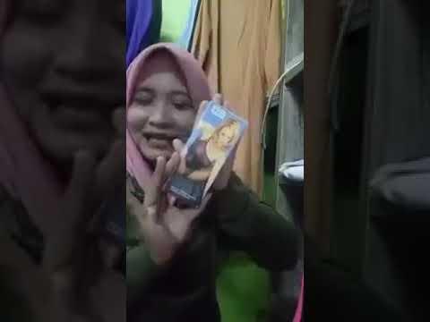 Cara memasang kondom bergerigi versi cewek jilbaber ini