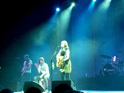Amy Macdonald - Road To Home (live in Dresden, 23.02.09)