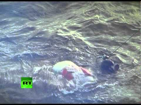 Graphic video: Divers pull bodies from sunken Bulgaria cruiser on Volga river