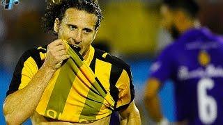 دييجو فورلان.. يسجل ثلاثة أهداف ويصنع هدفين في فوز بينارول الخماسي ·
