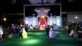 Royal Dance of Jaro Children