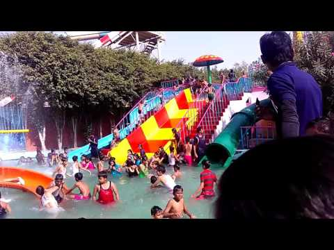 Drizzling land ghaziabad  water park.