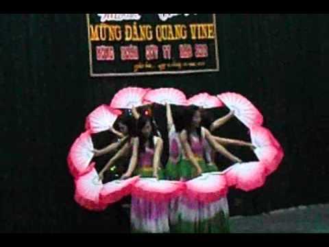 Múa lời ca dâng bác xã Phù Hoá, Quảng Trạch