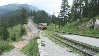 Schneebergbahn – cogwheel maintenance train arrives at middle station