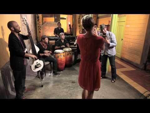Maite Hontelé  - Qué Bonito ft. Alain Pérez (Video Oficial)