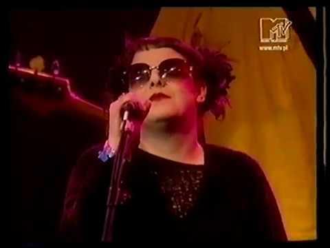 Télépopmusik - Love Can Damage Your Health (Live Video)