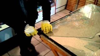 стеклопакет своими руками.(ночью разбили окно, надо что то делать! стеклопакет быстро заказать не удалось, и решили сделать временный..., 2013-10-04T18:34:57.000Z)