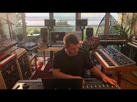 Tech Talk: Go Inside Matador's Breathtaking Dublin Studio (Electronic Beats TV)