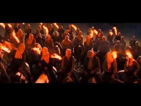 Django elszabadul csuklyás  jelenet