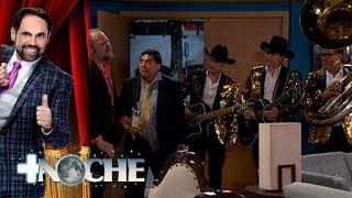 Los Plebes del Rancho le llevan serenata ¡a un primo! | + Noche | Distrito Comedia
