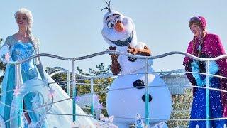 NEW Frozen Fantasy parade at Tokyo Disneyland with Anna, Elsa, Olaf