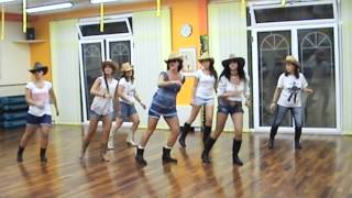COUNTRY GIRL Shake it for me LUKE BRYAN LINE DANCE DANA