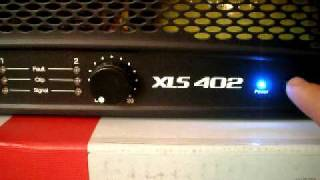 Crown XLS 402 stereo PA amplifier start up + first look