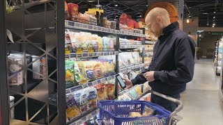 How Alibaba Got Consumers to Love Grocery Shopping