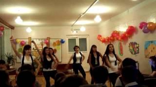 Танец на уроке Золотая осень