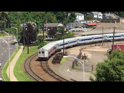 MetroNorth commuter 211, 6215 in Danbury CT 8-09-17