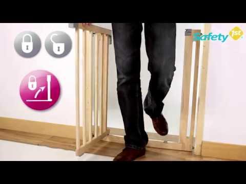 safety 1st easy close wood t rschutzgitter zum klemmen. Black Bedroom Furniture Sets. Home Design Ideas