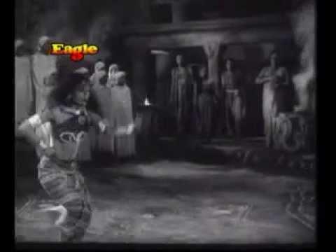LATE SMT.DR. SITARA DEVI'S MARVELLOUS SNAKE-DANCE ( NAAG - NRITYA) in Film ANJALI(1957)