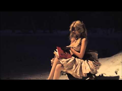 Zahia Dehar - Le Livre - Alice aux Pays des Merveilles (Official)