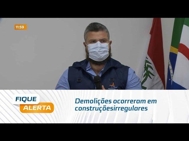 Reordenamento: Demolições ocorreram em construções irregulares que estavam obstruindo a via pública