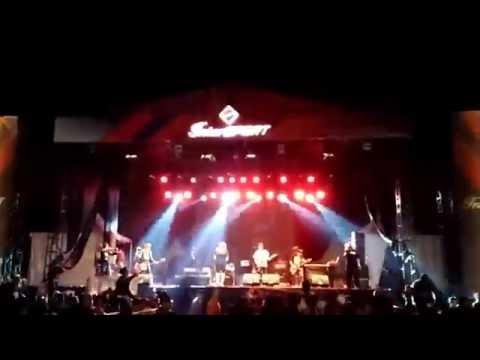 PEE WEE GASKINS - TERIAK SERENTAK, Live at Intersport JiExpo Kemayoran (ada copetnya)