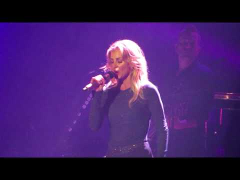 Faith Hill singing Breathe live in Concert at TD Garden Soul to Soul tour 7/8/17