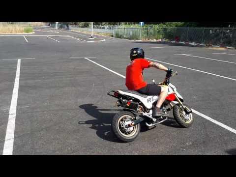 Crazy Honda msx125 supermoto stunts HONDA GROM STANTING