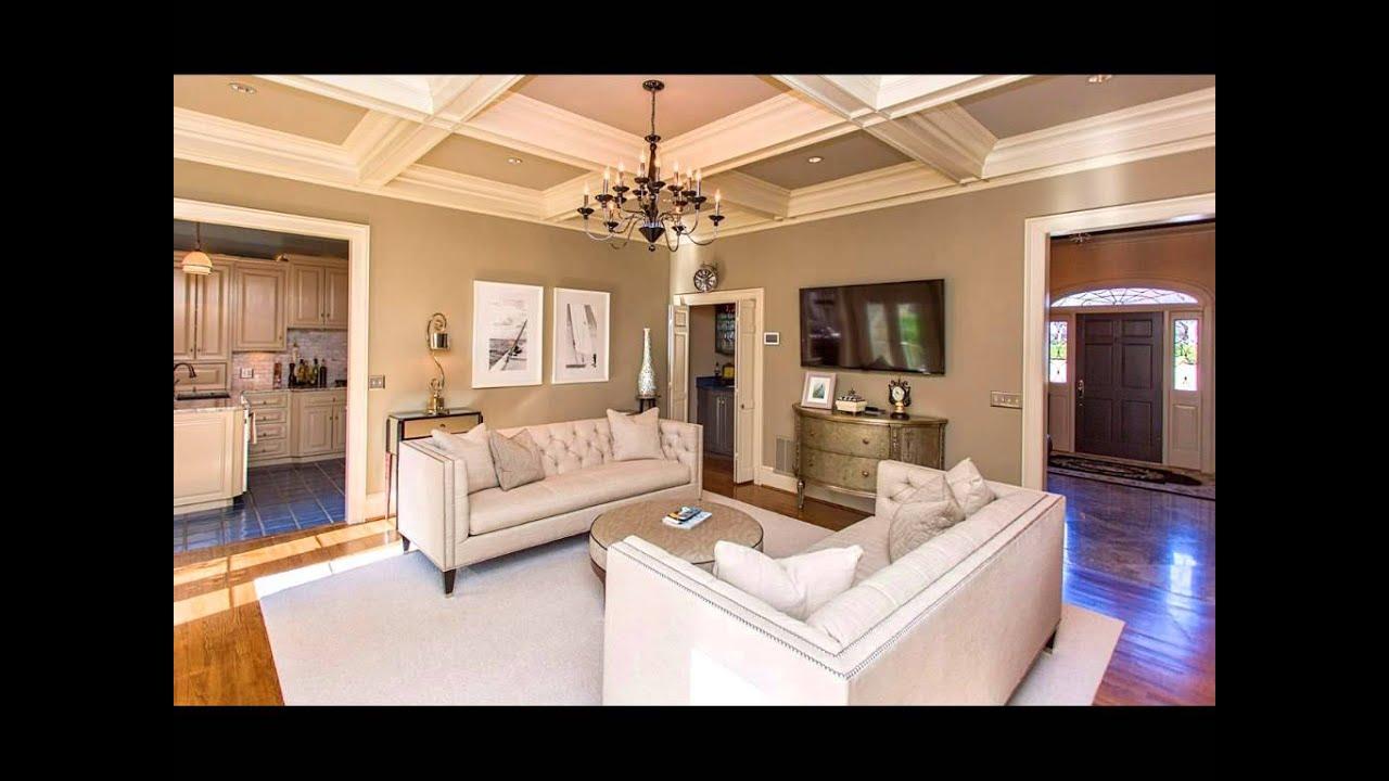 828 Crescent Avenue, Greenville SC 29601 Ashley Lewis Team 864.256.0885  Real Estate