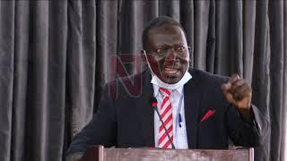 OKUGGYA AMAGYE MU PALAMENTI: Waliwo ababaka abawagira ekiteeso