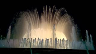 Магический фонтан Монжуика в Барселоне