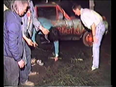 Hummelse Kermis 1988: Bielemanswagen voorbereiden en boompjes maken