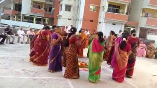 Saket Pranam lo bhatukamma Aata