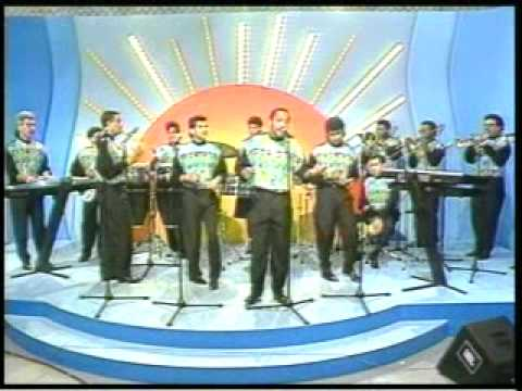 "Grupo Niche - ""Estoy Pensando"" (Video Original)"