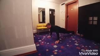 Тренировка Егора Крида в номере.Ржачь.Смотреть до конца.
