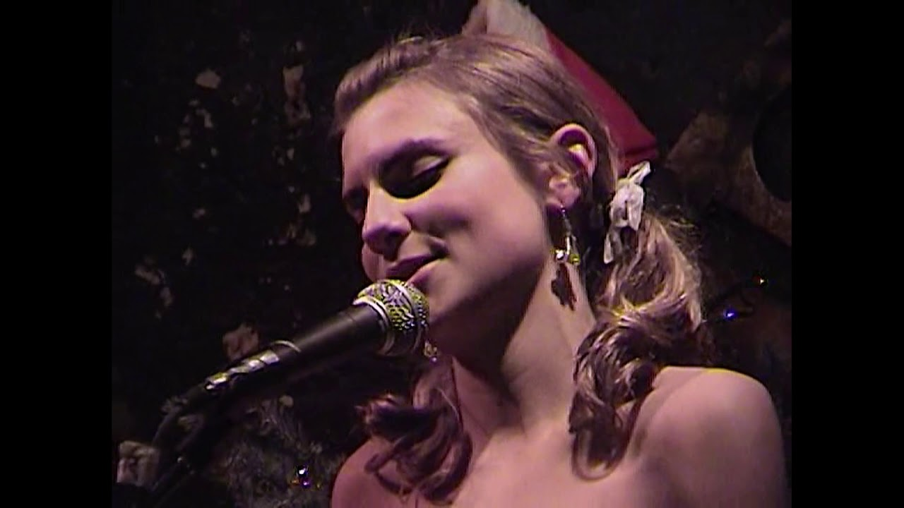 New video: Gamine - God Rest Ye Merry, Gentlemen, Live at the 12-Bar Club, 12/12/2001