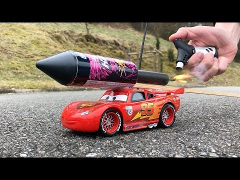 Rocket powered RC Lightning McQueen Disney Cars 3 !!