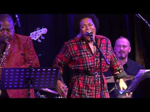 PEE WEE ELLIS feat. CHINA MOSES and IAN - THE SPIRIT OF CHRISTMAS Mp3