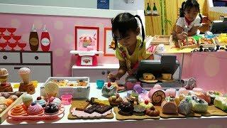 เล่นของเล่น| เล่นขายของ| ขายซูชิ | ขายไอศครีม|สวนสนุก Blue Monkey by The Kids TV