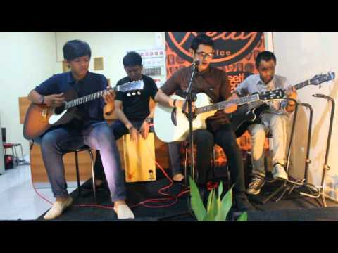 Kerispatih - Kejujuran Hati (Cover by Self Confidence) Live @RealCoffee