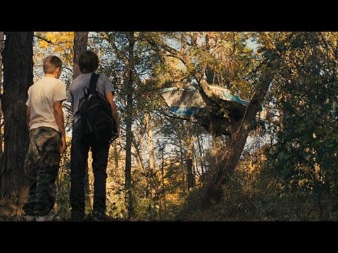 Official Trailer: Mud (2012)