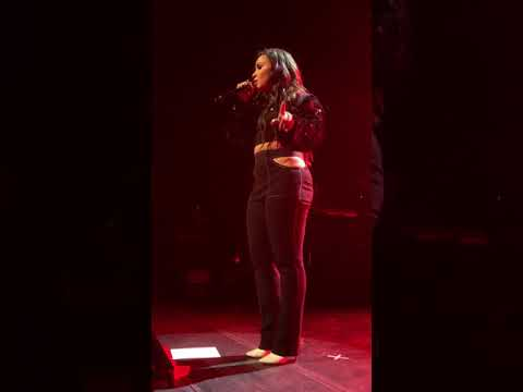 Demi Lovato - Games - Jan 24th 2018 - NYC Center - front row